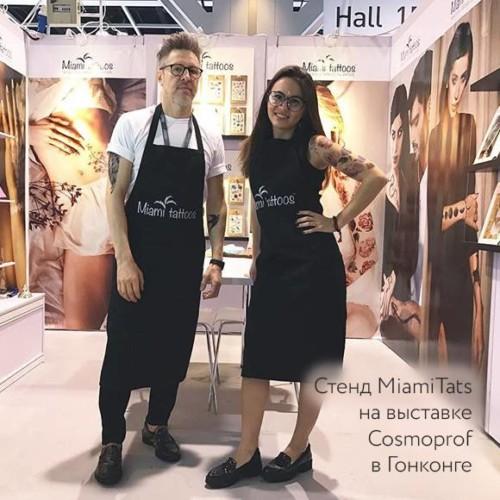 Стенд MiamiTats на выставке Cosmoprof в Гонконге